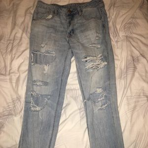 American Eagle Outfitters boyfriend jeans