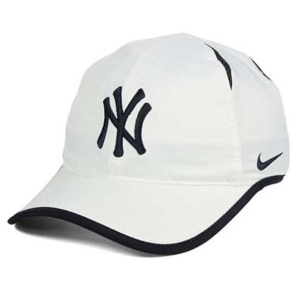 NY Yankees Dri-FIT featherlight adjustable Cap e14c085d16b