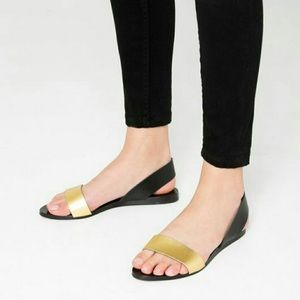 🆕 Black and gold Zara sandals
