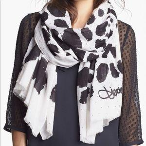 Diane Von Furstenberg  New scarf 40W x 80L Celeste