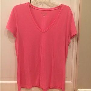 Lilly Pulitzer V Neck Tshirt Pink size Large
