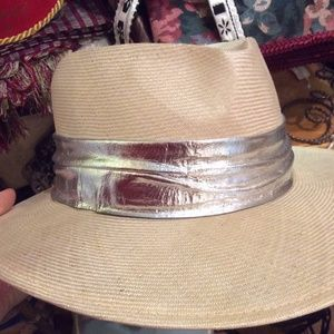 Vintage Silver Banded Smooth Wicker Fedora Hat