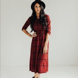 3/4 Sleeve Plaid Midi Dress with Elastic Waist