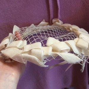 Vintage Accessories - White Velvet Wedding Bow Caplet Hat