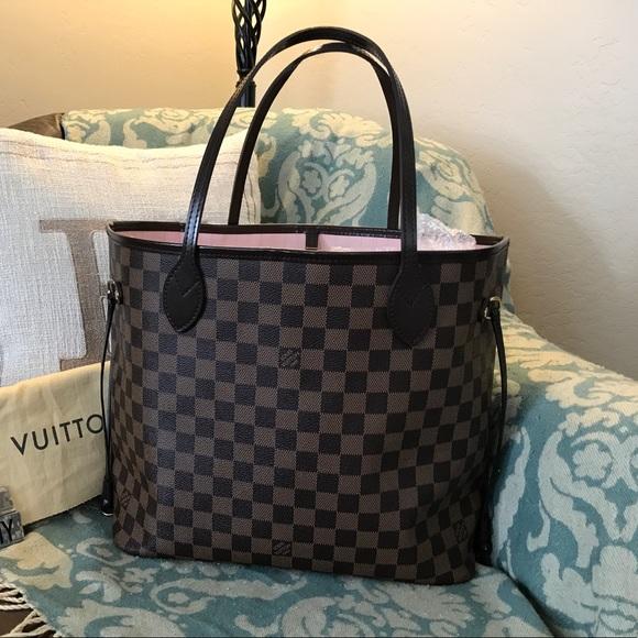 Louis Vuitton Handbags - Louis Vuitton Neverfull mm Rose ballerine beab4b9908a