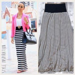 Promesa Black and White Stripes Skirt, Sz M
