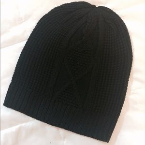**NEW **Cable Knit Beanie