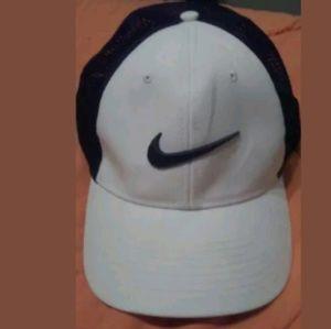 Nike golf hat large xl mesh back legacy 91 tour