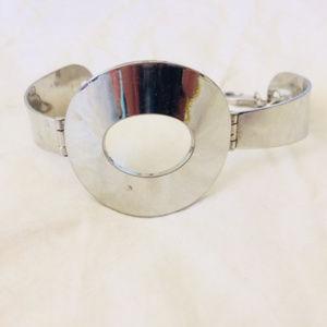 Silver O ring bangle