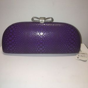 BRAND NEW LOVELY CLUTCH!!!