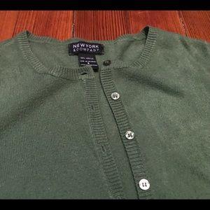 Green cardigan 🍁🍂🌵