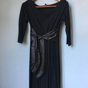 Stunning black Isabella Oliver maternity dress