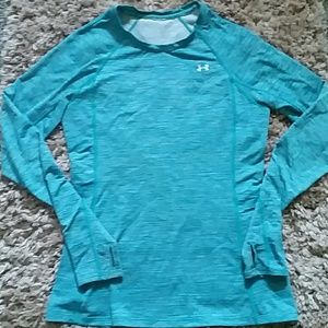 WOMANS FITTED HEAT GEAR UNDER ARMOUR LONG SLEEVE