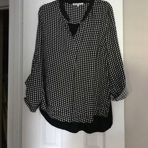 Black and white modern polka-dot top