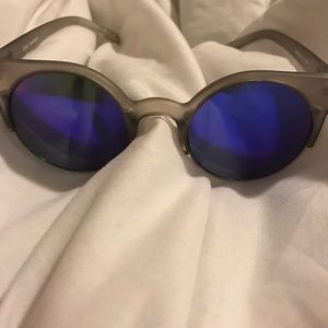 Quay Harlm Sunglasses