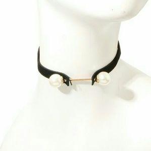 Jewelry - Pearl Bar Choker