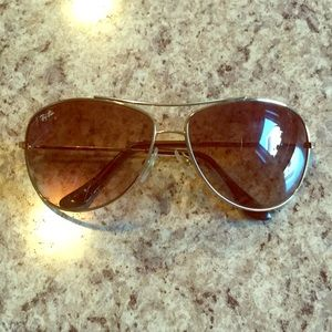 Authentic Ray Ban aviators - gold