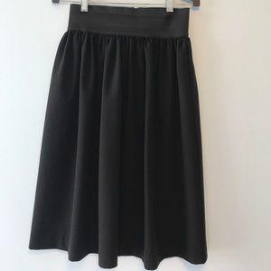 Dresses & Skirts - Classy waisted black midi skirt
