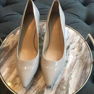 Gray Ann Taylor patent kitten heels - Size 10