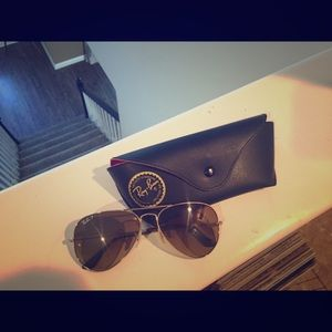 Gold and brown polarized aviators!! 💗
