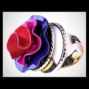 MarcJacobs LOLA Ring w/Solid Perfume Compartment!