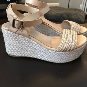 ALDO tan and white wedges