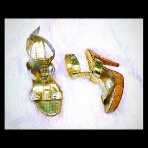 Chinese laundry gold buckle heels size 8