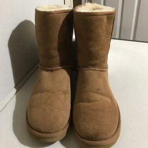 UGG Classic Short Chestnut Boots Sz 9 Women's