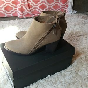 Women's fashionable boots