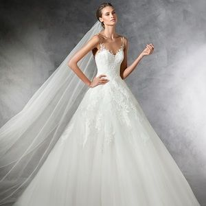 PRONOVIAS PRALA WEDDING DRESS GOWN