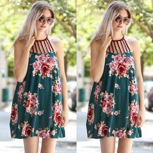 Dresses & Skirts - 💕Flower Sleeveless Trim Dress
