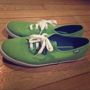 Kelly green KEDS