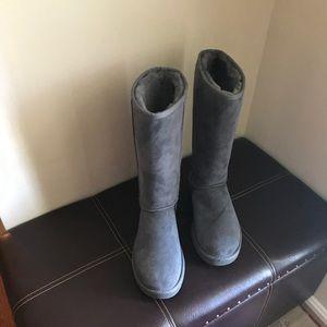 Ugg Grey Size 10 nwot