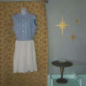 Groovy 60's 70's vintage polyester dress w/ pleats