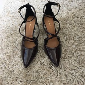 Zara -deep Red Cross cross ankle shoes