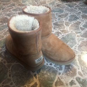 EUC Ugg Australia boots in chestnut