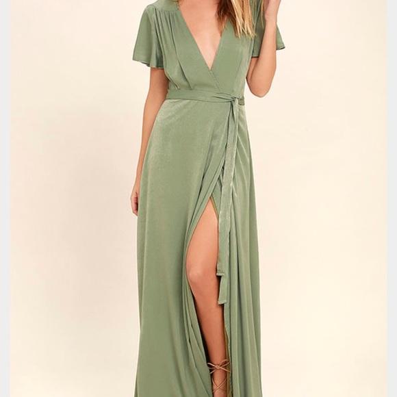 Lulu's Dresses & Skirts - Green maxi dress. Flutter sleeves. Small.