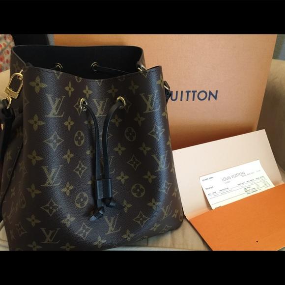 Louis Vuitton Handbags - Louis Vuitton NeoNoe Noir 9aa5401db08
