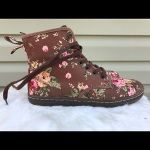 One worn Dr. Martens floral shoes