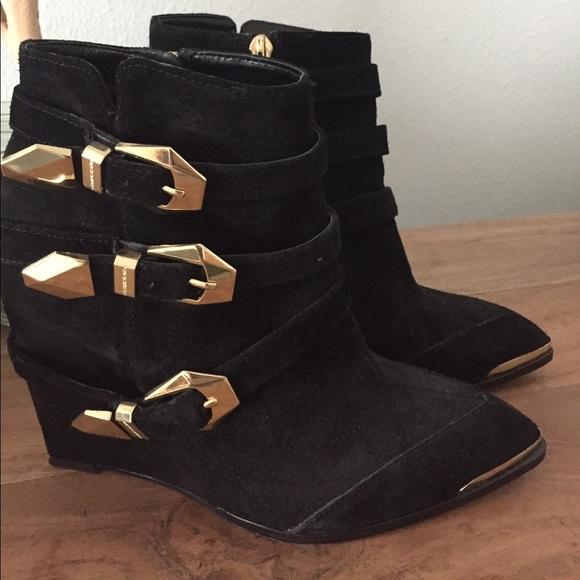55d10795361a1 Vince Camuto leather Wedge Boots with Gold Buckles.  M_59c7e0aab4188e1c9e0238fd