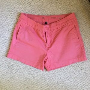 Khakis by Gap in coral EUC size 4 shorts
