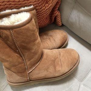 Women's Ugg  boots Sz 8
