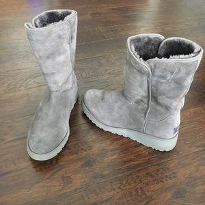 UGG Amie Classic Slim Boots Gray Sz 9.5