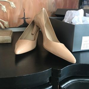 Nwt never worn nude patent leather AnnTaylor heels