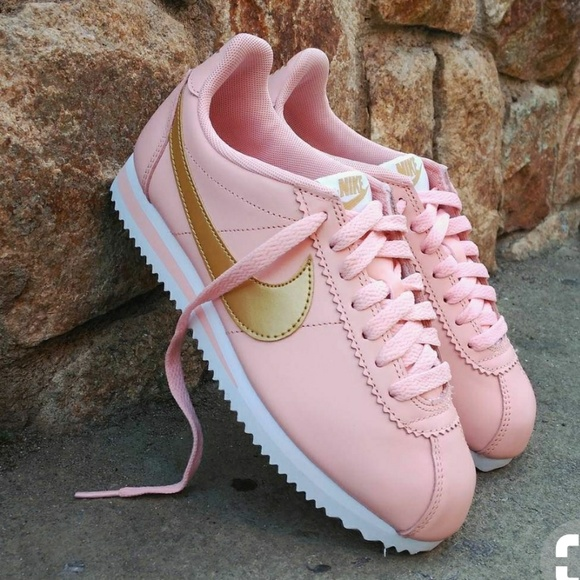 reputable site 7d55a 39f36 Nike Cortez Trainer in Dusty Pink and Gold
