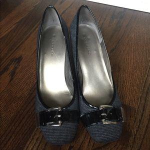 Black Houndstooth heels
