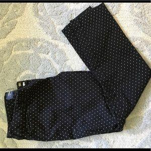 Size 6 Old Navy pixie pants black/white
