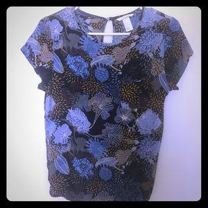 H&m blue floral short sleeve blouse