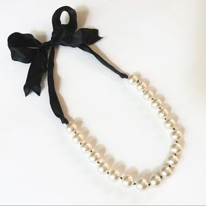 White House Black Market Pearl Ribbon Necklace
