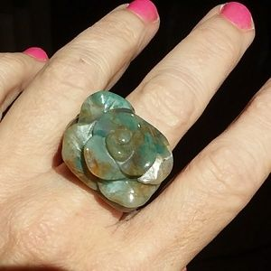 Gorgeous carved Agate ROSE STONE ring unreal